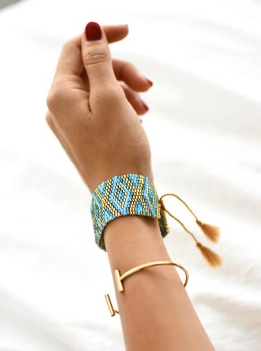bracelets nice
